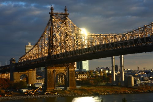 evening light on the queensborough bridge photo, carl zeiss 85mm f1.4 lens
